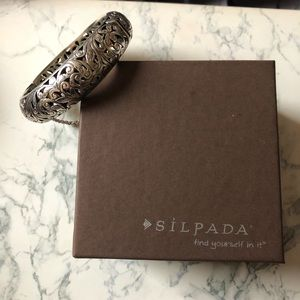 Silpada Forever Stunning Bangle